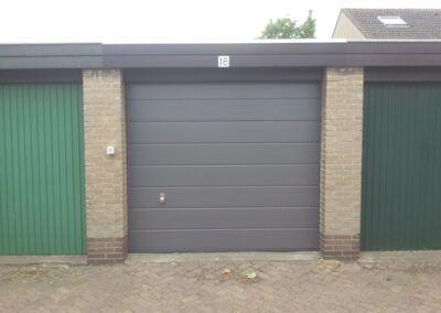 handbediende garagedeur Zaandam