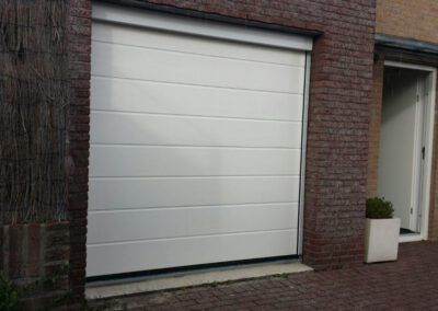 garagedeur Krommenie Assendelft voorzien van afwerking